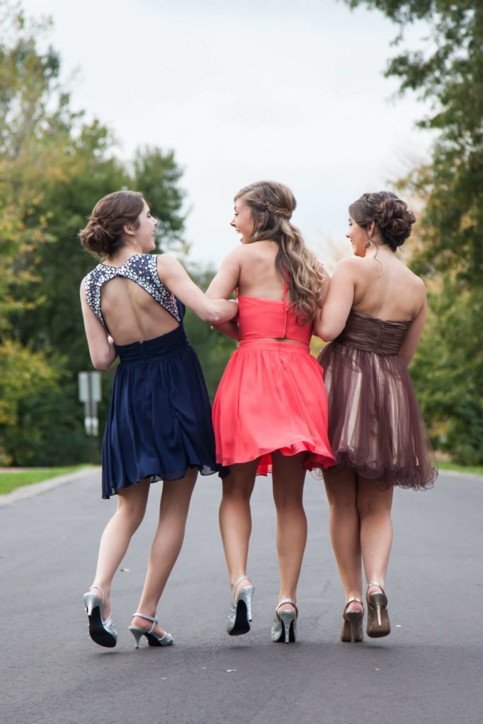 3 Girls with Prom Hairstyles