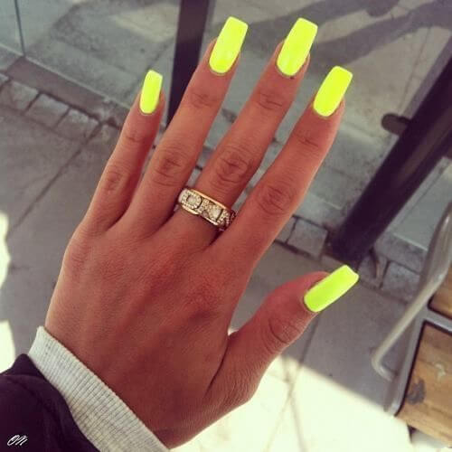 Neon Color Nail Trends