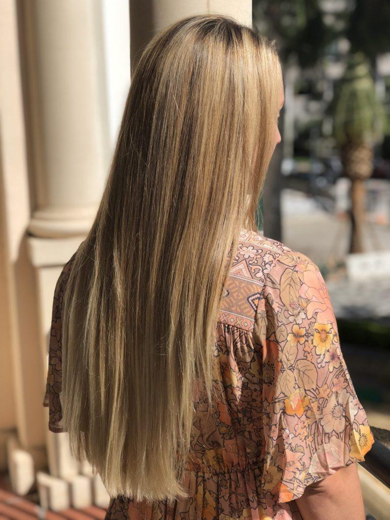 a blonde straight hair