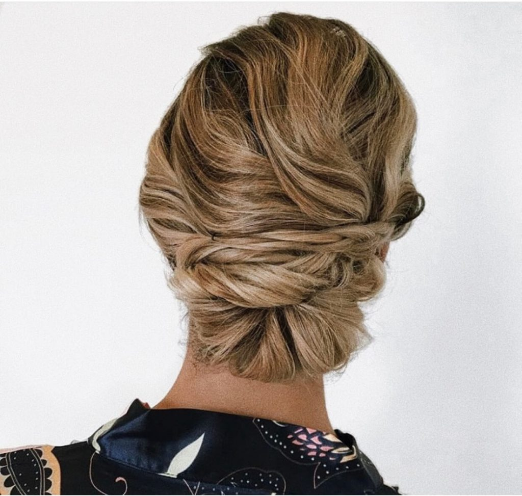 blonde side hair wedding hairstyle