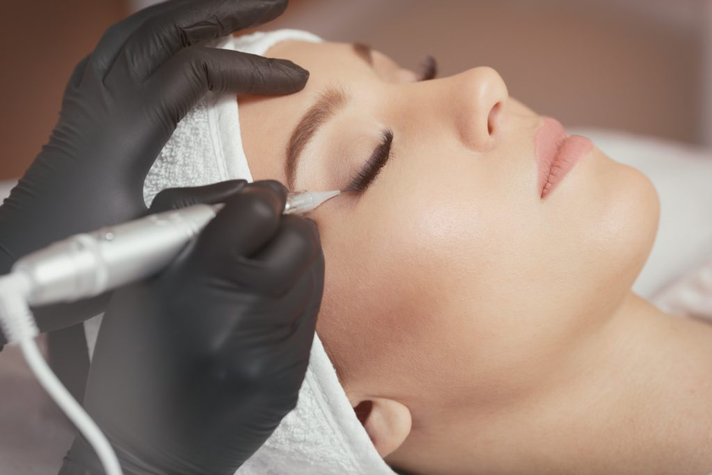 Permanent Makeup at Your Lash Line-min