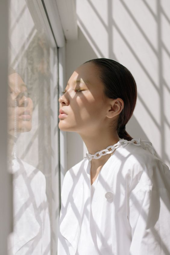 woman in a penetration glass for UVB