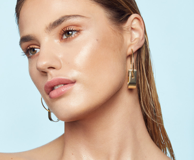 What Is Glass Skin Makeup?